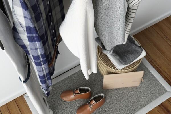 آبجکت سه بعدی دکوراسیون با لباس و کفش عکس اصلی