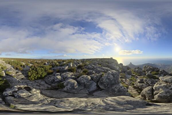 فایل HDRI تپه سنگی با آسمان روز عکس اصلی