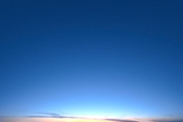 فایل HDRi پیترگاتری آسمان صاف عکس اصلی