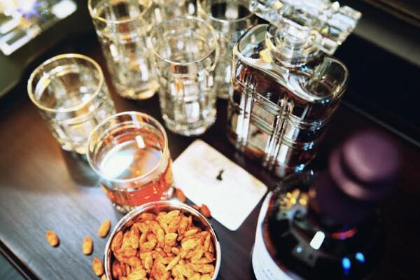 مدل سه بعدی ست تزئینی بطری و لیوان عکس اصلی