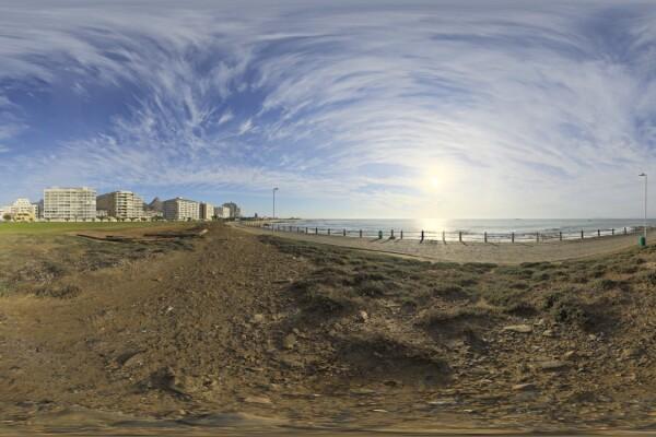 فایل HDRI ساحل در آسمان روز عکس اصلی